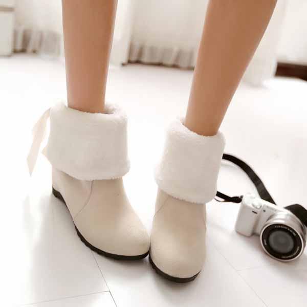 รองเท้าบูทกันหนาว แฟชั่นเกาหลีบุขนนุ่มสวยใส่ได้2แบบ นำเข้า ไซส์34ถึง43 สีขาว - พรีออเดอร์RB2276 ราคา1750บาท