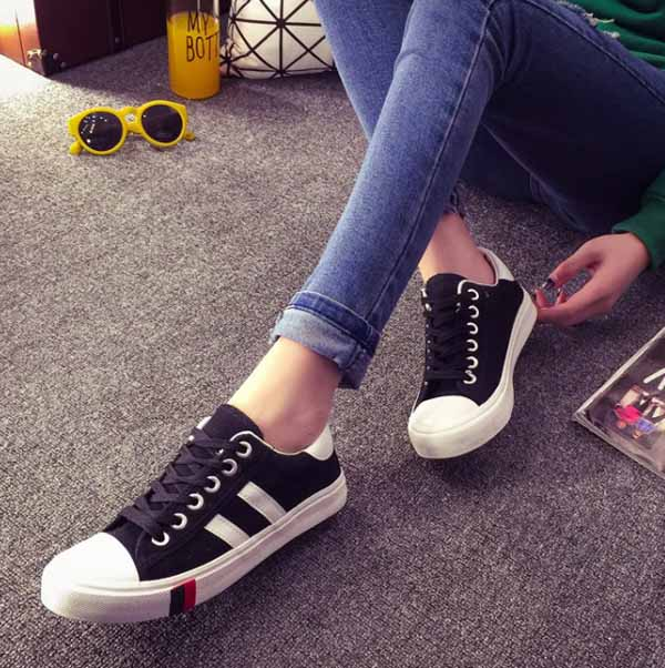 รองเท้าผ้าใบส้นหนา แฟชั่นเกาหลีผู้หญิงวินเทจสุดเท่ใหม่ล่าสุด นำเข้า ไซส์35ถึง39 สีดำ - พรีออเดอร์RB2279 ราคา1350บาท