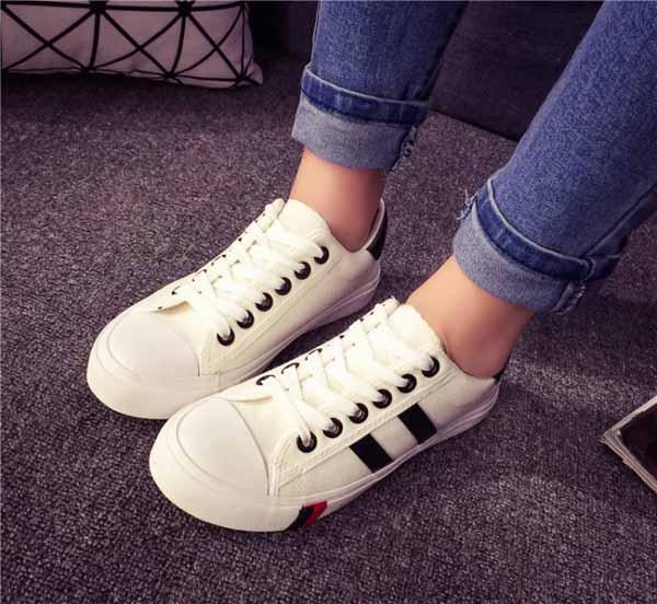 รองเท้าผ้าใบส้นหนา แฟชั่นเกาหลีผู้หญิงวินเทจสุดเท่ใหม่ล่าสุด นำเข้า ไซส์35ถึง39 สีขาว - พรีออเดอร์RB2279 ราคา1350บาท
