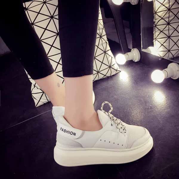 รองเท้าผ้าใบส้นหนา แฟชั่นเกาหลีแนวผู้หญิงเทรนด์ผ้าใบส้นสูง นำเข้า ไซส์35ถึง39 สีขาว - พรีออเดอร์RB2287 ราคา1450บาท