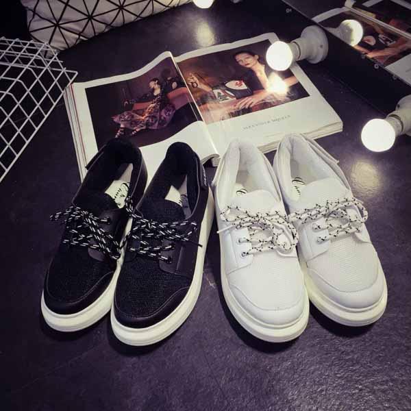 รองเท้าผ้าใบส้นหนา แฟชั่นเกาหลีแนวผู้หญิงเทรนด์ผ้าใบส้นสูง นำเข้า ไซส์35ถึง39 - พรีออเดอร์RB2287 ราคา1450บาท