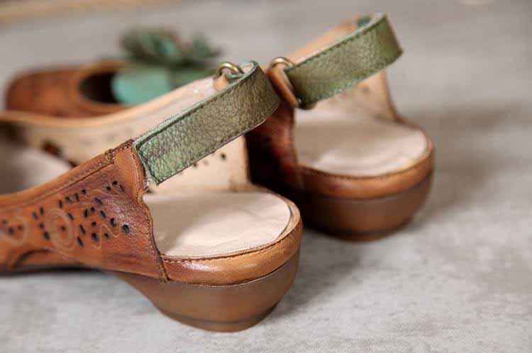 รองเท้าหนังแท้เพื่อสุขภาพ แฟชั่นเกาหลีมีส้นสายรัดหลังเท้าแต่งดอกไม้หนังฉลุ นำเข้า 35-40 พรีออเดอร์RB2361 ราคา3900บาท