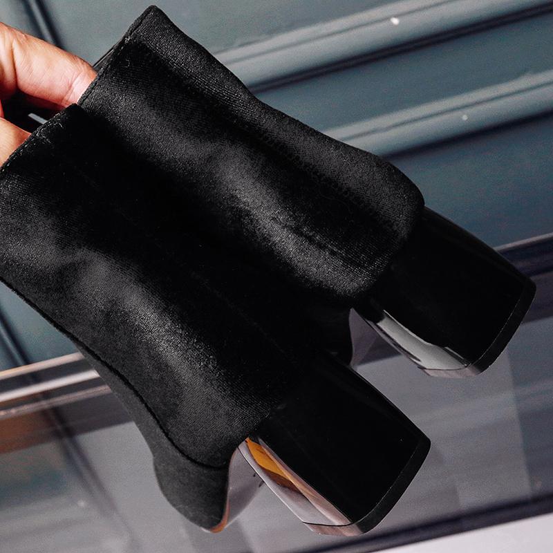 รองเท้าบูทสั้นหนังกำมะหยี่ แฟชั่นเกาหลีหุ้มข้อซิปข้างบุเฟอร์สวม นำเข้า ไซส์33ถึง43 สีดำ - พรีออเดอร์RB2374 ราคา2350บาท