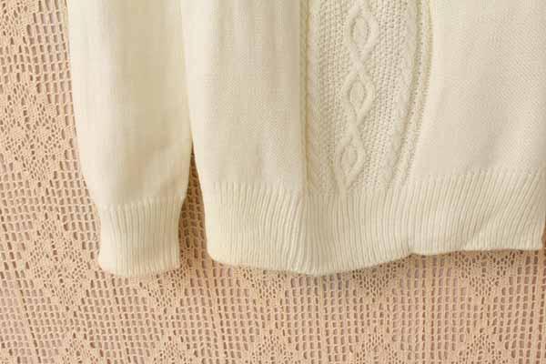 เสื้อกันหนาวไหมพรม แฟชั่นเกาหลีแขนยาวคอระบายหยักสไตล์ผู้หญิงสวย นำเข้า ฟรีไซส์ - พร้อมส่งTJ7345 ราคา1100บาท