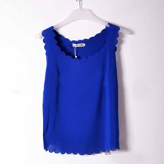 เสื้อชีฟองแขนกุด รอบคอและชายเสื้อหยักระบายสไตล์หวานแฟชั่นเกาหลีใหม่ นำเข้า ฟรีไซส์ สีน้ำเงิน - พร้อมส่งTJ7474 ราคา299บาท