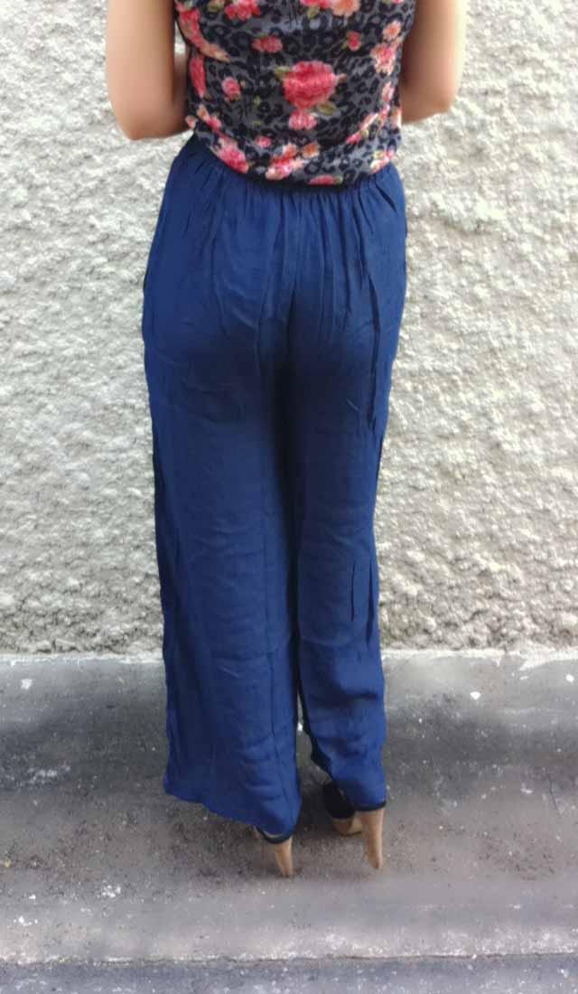 กางเกงยาวขาบาน เอวสูงมียางยืดแฟชั่นเกาหลีทรงพริ้วใส่ทำงานสวยใหม่ นำเข้า ฟรีไซส์ สีน้ำเงิน - พร้อมส่งTJ7488 ราคา550บาท