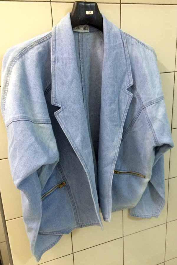 เสื้อแจ็คเก็ตยีนส์ ผู้หญิงแฟชั่นเกาหลีแขนค้างคาวอินเทรนด์มีกระเป๋าแบบซิป ส่งออก ฟรีไซส์ สีฟ้า - พร้อมส่งTJ7647 ราคา750บาท