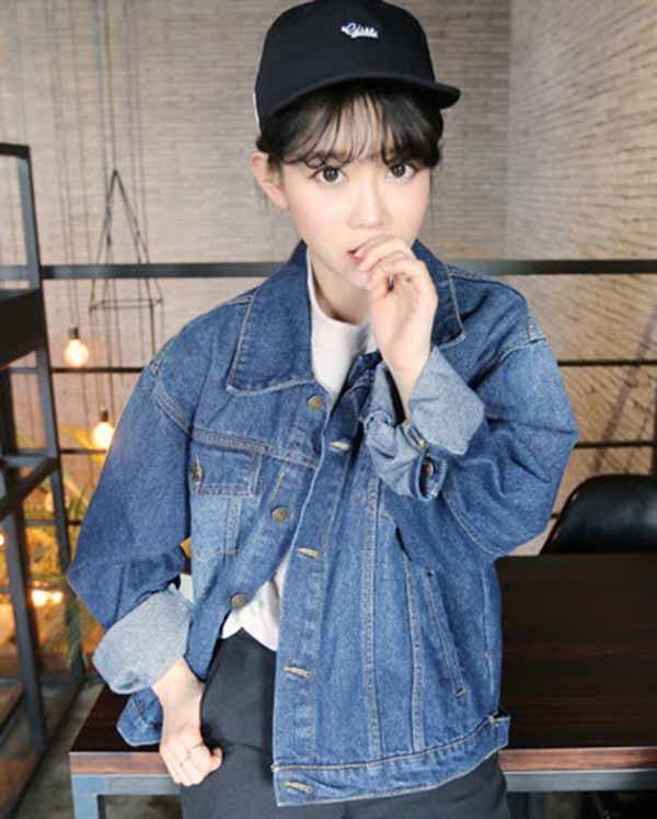เสื้อแจ็คเก็ตยีนส์ ผู้หญิงแฟชั่นเกาหลีแขนยาวเอวตรงทรงหลวมเทรนด์ใหม่ ฟรีไซส์ สียีนส์ฟอก - พร้อมส่งTJ7707 ราคา990บาท