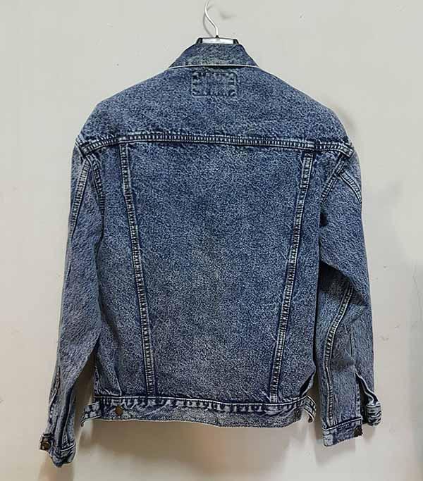 เสื้อแจ็คเก็ตยีนส์ ผู้หญิงแฟชั่นเกาหลีแขนยาวเอวตรงทรงหลวมเทรนด์ใหม่ ส่งออก ฟรีไซส์ - พร้อมส่งTJ7708 ราคา1290บาท