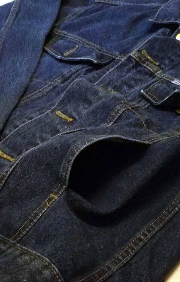เสื้อแจ็คเก็ตยีนส์ ผู้หญิงแฟชั่นเกาหลีแขนยาวเอวตรงทรงหลวมเทรนด์ใหม่ ฟรีไซส์ สียีนส์เข้ม - พร้อมส่งTJ7724 ราคา990บาท