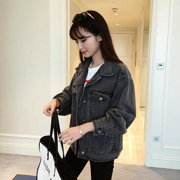 เสื้อแจ็คเก็ตยีนส์ ผู้หญิงแฟชั่นเกาหลีแขนยาวเอวตรงทรงหลวมเทรนด์ใหม่ ฟรีไซส์ สียีนส์ดำ - พร้อมส่งTJ7734 ราคา990บาท