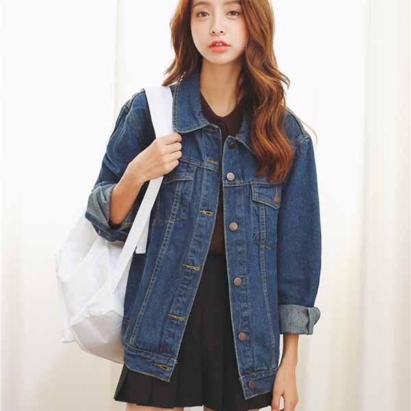 เสื้อแจ็คเก็ตยีนส์ ผู้หญิงแฟชั่นเกาหลีแขนยาวเอวตรงทรงหลวมเทรนด์ใหม่แนวเท่วินเทจ - พร้อมส่งTJ7822 ราคา990บาท