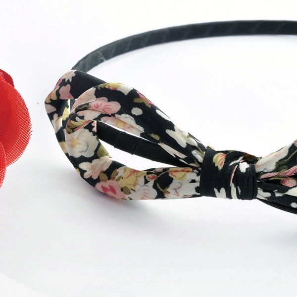 ที่คาดผมเกาหลี แฟชั่นลายดอกไม้สวยสีหวานสวย สวมใส่สบายแบบใหม่ล่าสุด นำเข้า - พร้อมส่งW097 ราคา 180 บาท