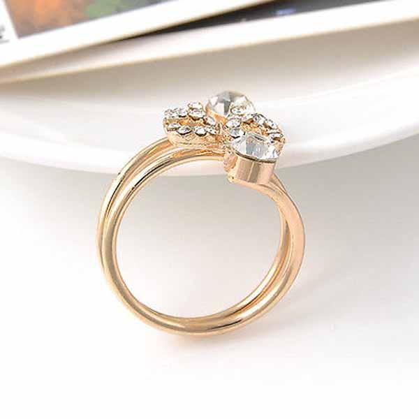 แหวนคริสตัล ใหม่แฟชั่นเกาหลีรูปโบว์สวยหรูหรา Gold Crystal Bow Rings นำเข้า สีทอง - พร้อมส่งW204 ราคา300บาท