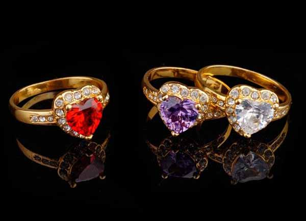 แหวนทองคำ แฟชั่นเกาหลีประดับคริสตัลสีม่วงรูปหัวใจสวยหรู 18K Gold Rings นำเข้า ไซส์7 - พร้อมส่งW236 ราคา590บาท