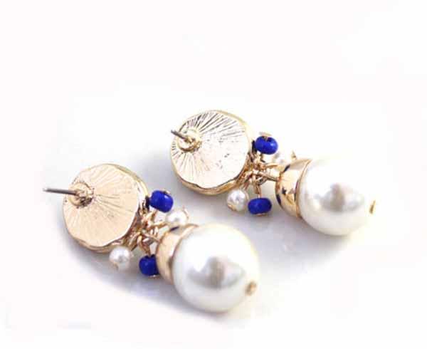 ต่างหูมุก แฟชั่นเกาหลีดีไซน์หรูสไตล์แบรนด์ทรงหยดน้ำ Blue Beads Earrings นำเข้า สีน้ำเงิน - พร้อมส่งW253 ราคา300บาท