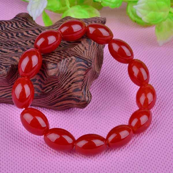 กำไลหินนำโชคสีแดง เสริมพลังด้านความรักความเข้าใจฐานะและทรัพย์สินเงินทอง นำเข้า - พร้อมส่งW257 ราคา300บาท