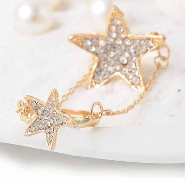 แหวนแฟชั่น ประดับคริสตัลแหวนคู่เชื่อมโซ่ปรับขนาดได้ Double Knuckle Ring นำเข้า สีทอง - พร้อมส่งW316 ราคา300บาท