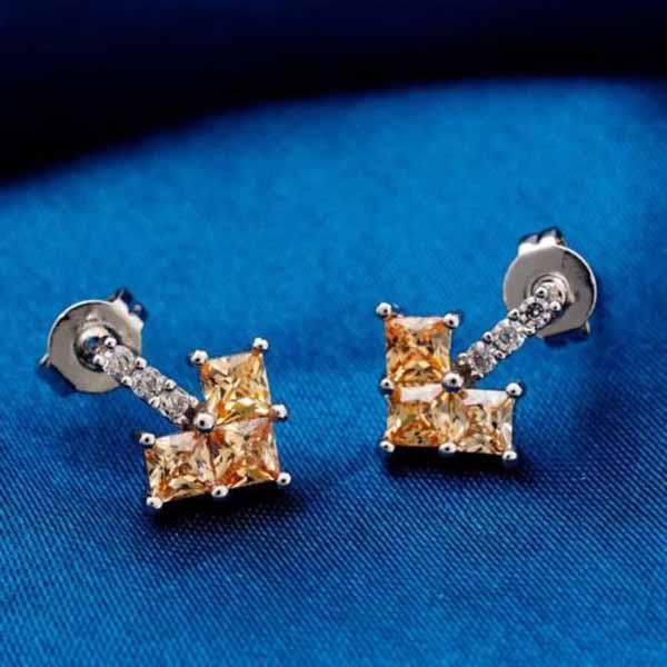 ต่างหูเพชร แฟชั่นเกาหลีประดับเพชรสวิสรูปหัวใจ CZ Gold Earrings นำเข้า สีแชมเปญ - พร้อมส่งW358 ราคา450บาท