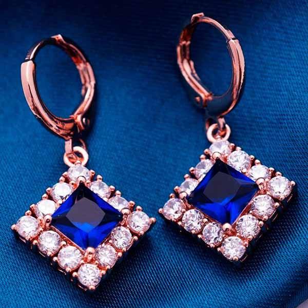 ต่างหูเพชร แฟชั่นเกาหลีแบบห่วงประดับคริสตัลรูปสี่เหลี่ยม CZ Gold Earrings นำเข้า สีน้ำเงิน - พร้อมส่งW365 ราคา450บาท