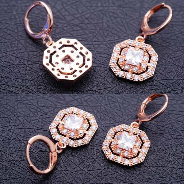 ต่างหูเพชร แฟชั่นเกาหลีแบบห่วงประดับคริสตัลรูป8เหลี่ยม CZ Gold Earrings นำเข้า สีขาว - พร้อมส่งW366 ราคา450บาท