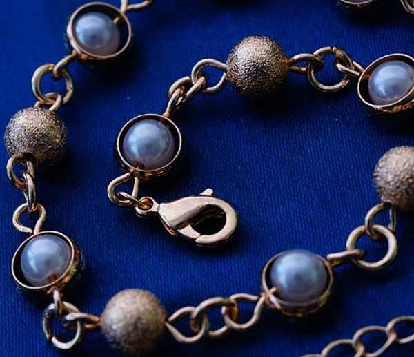 กำไลข้อมือ แฟชั่นเกาหลีสร้อยคริสตัลทรงบอลสวยน่ารักใหม่ 18K Gold Bracelet นำเข้า สีทอง - พร้อมส่งW371 ราคา550บาท
