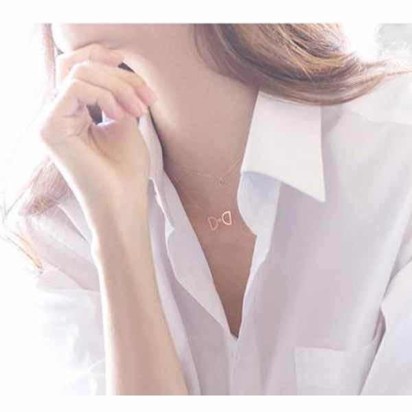 สร้อยคอแฟชั่น เส้นเล็กประดับคริสตัลรูปโบว์สวยหรู นำเข้า สีทอง Crystal Necklace - พร้อมส่งW499 ราคา220บาท