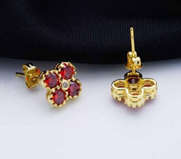 ต่างหูเพชร แฟชั่นเกาหลีแบบห่วงประดับคริสตัลรูปดอกไม้ทอง18K CZ Gold Earrings นำเข้า สีแดง - พร้อมส่งW538 ราคา450บาท