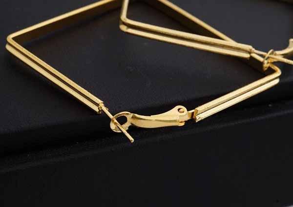 ต่างหูรูปสี่เหลี่ยม แฟชั่นเกาหลีทรงขนมเปียกปูน Geometry 18K Hoop Earrings นำเข้า สีทอง - พร้อมส่งW575 ราคา300บาท