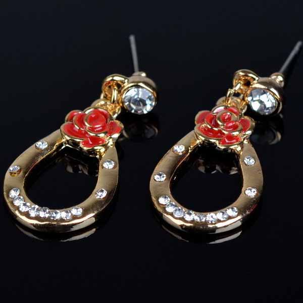 ต่างหูคริสตัล แฟชั่นเกาหลีต่างหูห่วงดอกไม้สวยมาก Red Crystal Earring นำเข้า สีทอง - พร้อมส่งW598 ราคา300บาท