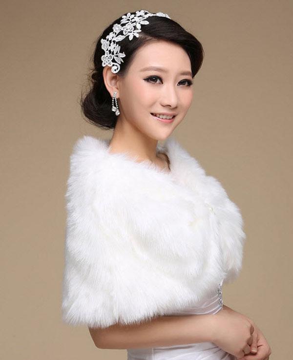 ผ้าคลุมไหล่ เสื้อคลุมไหล่ขนเฟอร์สวมคู่ชุดราตรีแฟชั่นเกาหลีแต่งมุกหรูหรา นำเข้า สีขาว - พร้อมส่งYA041 ราคา800บาท